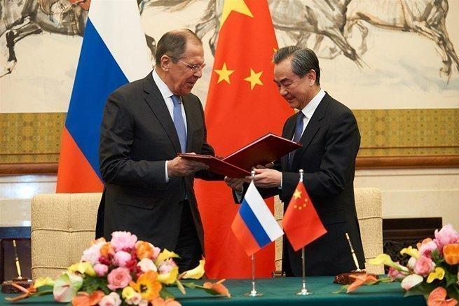 Москва, Пекин и Дели: переза…