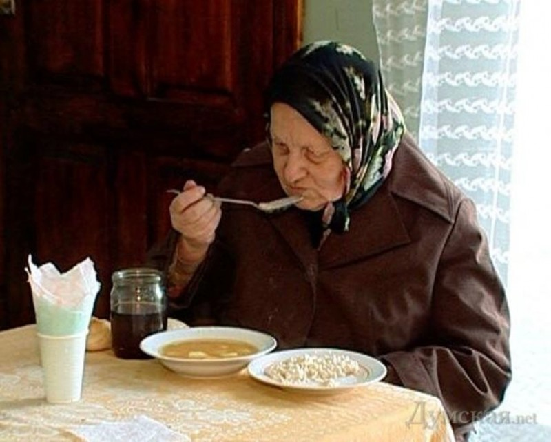 Росстат: волгоградцам не хватает зарплаты даже на еду