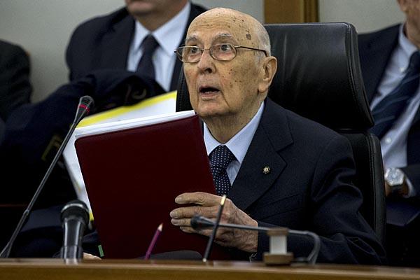 RG.RU: Я устал,я ухожу..Президент Италии попрощался с итальянцами