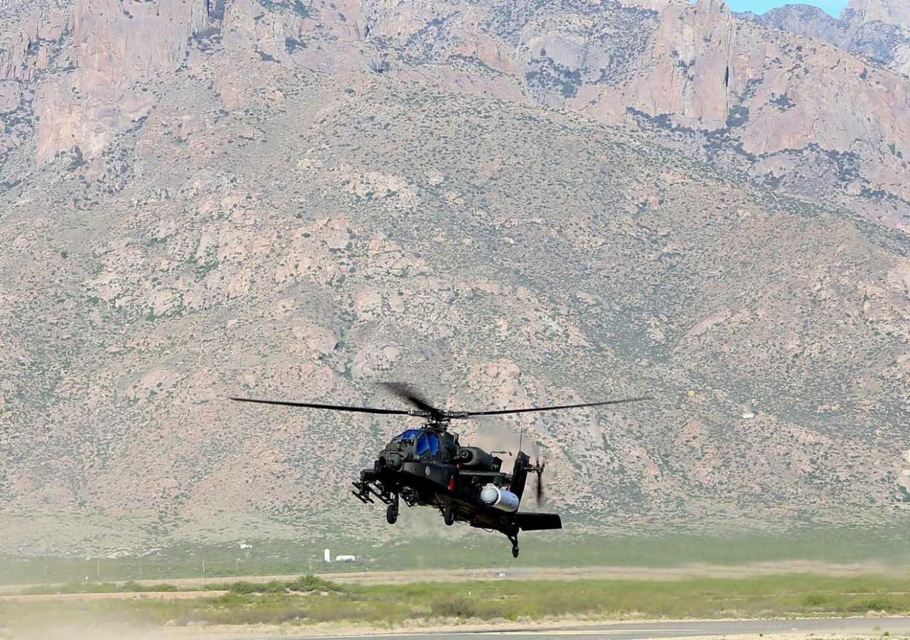 США впервые испытали вертолет с боевым лазером