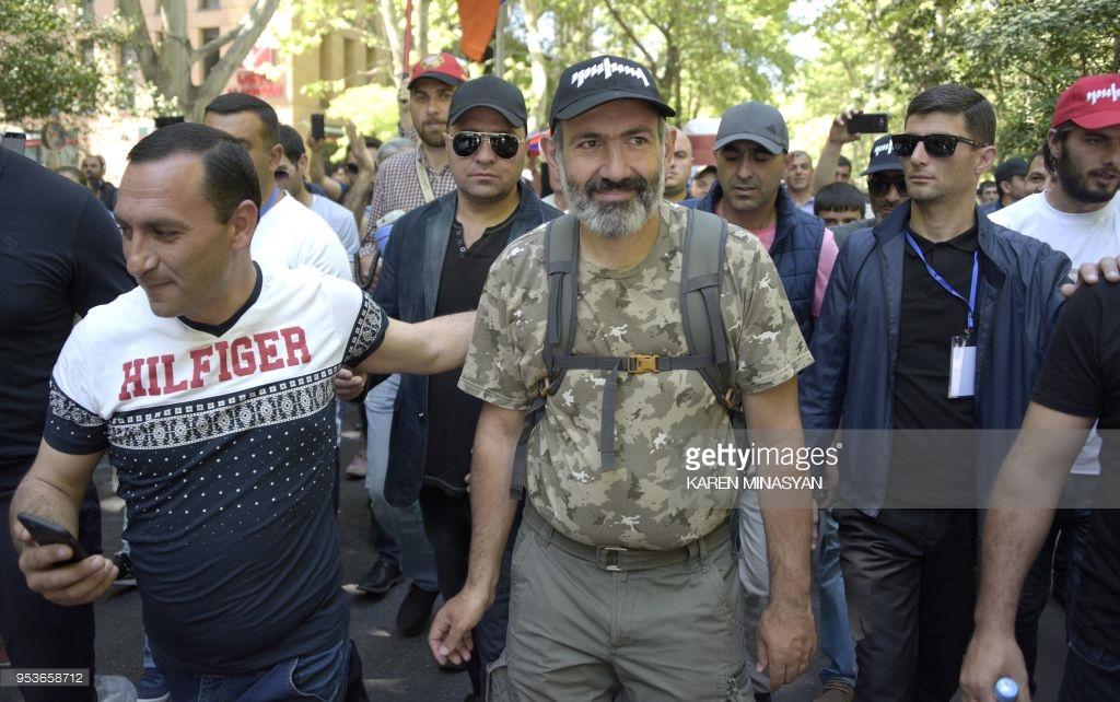 Армяне снова протестуют (фото).