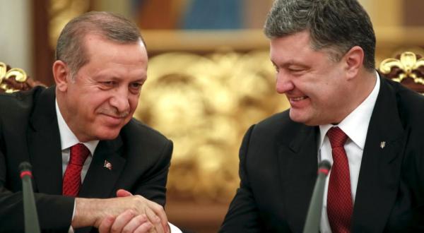 Украина имитирует бурный роман с Турцией