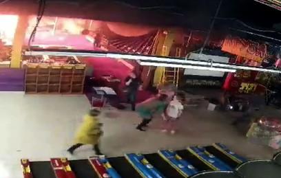 """СК опубликовал видео начала пожара в """"Зимней вишне"""""""