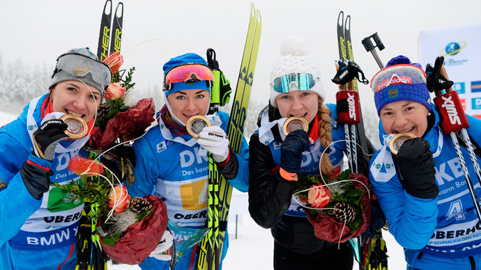 Победа, которую ждали 13 лет: мужская и женская сборные России по биатлону выиграли обе эстафеты