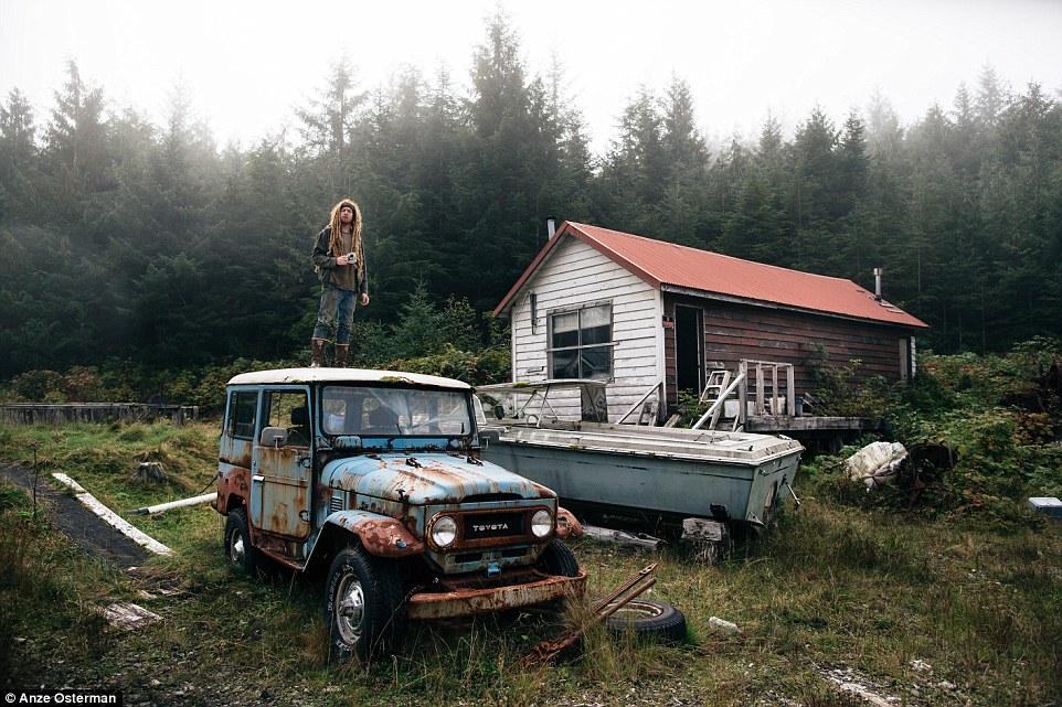 В глушь, на Аляску: как жить на острове среди медведей и китов и не сойти с ума