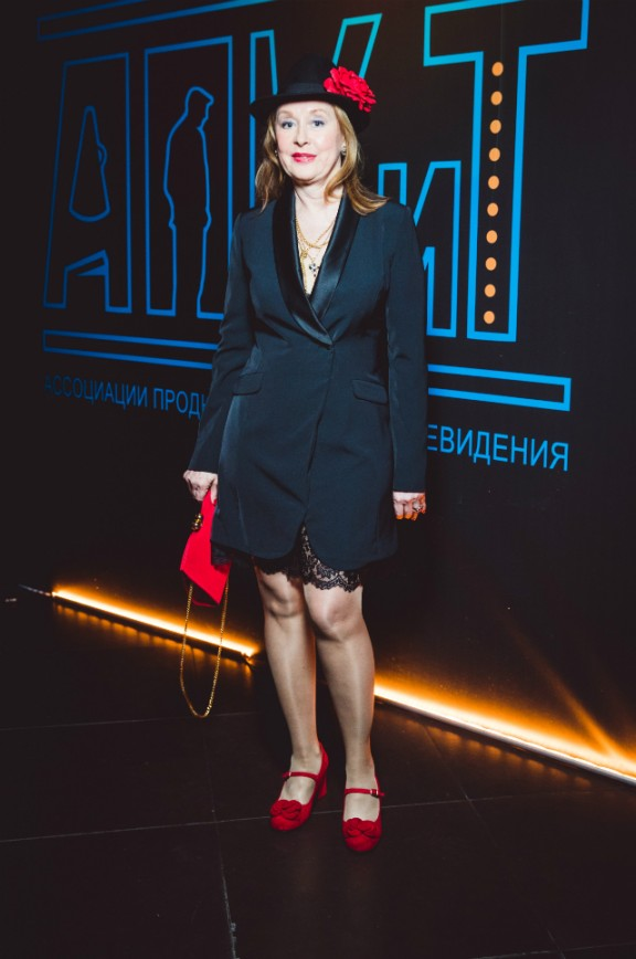 """""""Неудачные ноги, Людмила Прокофьевна, надо прятать""""."""