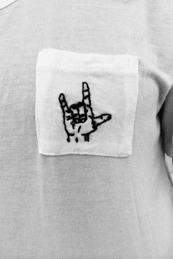 Рок-футболка с вышивкой