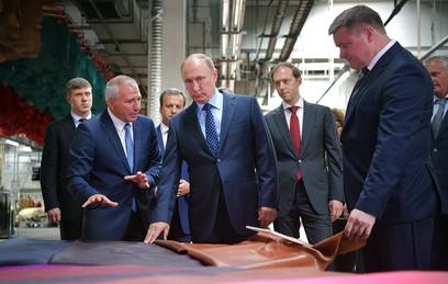 Путин призвал бороться с контрафактом в легкой промышленности