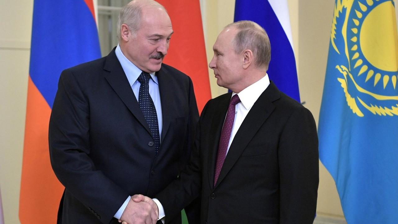 Лукашенко назвал условия ввода общей валюты с РФ