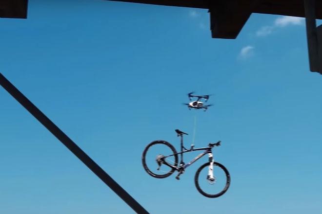 Похищение велосипеда с помощью дрона сняли на видео