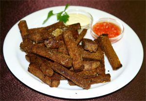 Готовим сухарики с чесноком дома — на сковороде и в духовке