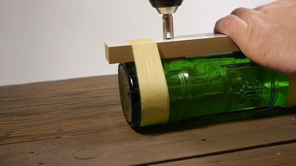 Как идеально просверлить бутылку - новогодний светильник