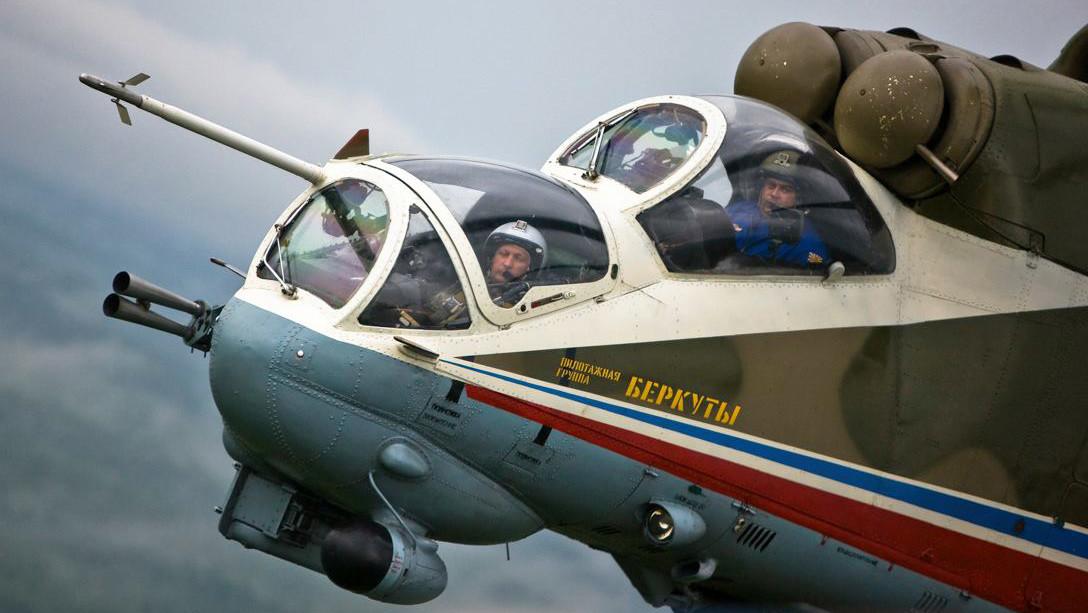 «Ночные охотники»: вертолётная группа «Беркуты» отмечает 25 лет со дня основания