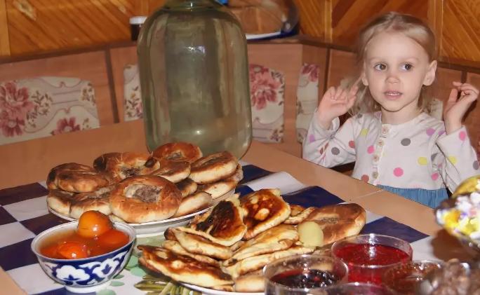 Стоит ли заставлять детей съедать весь обед, завтрак или ужин