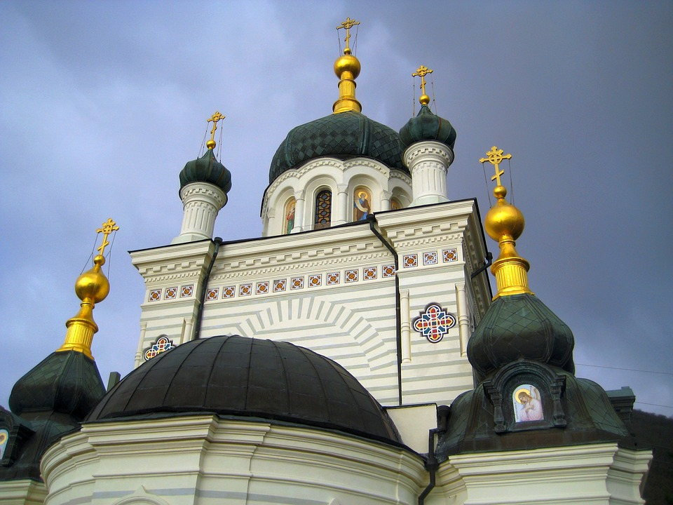 На Украине грабят православные храмы