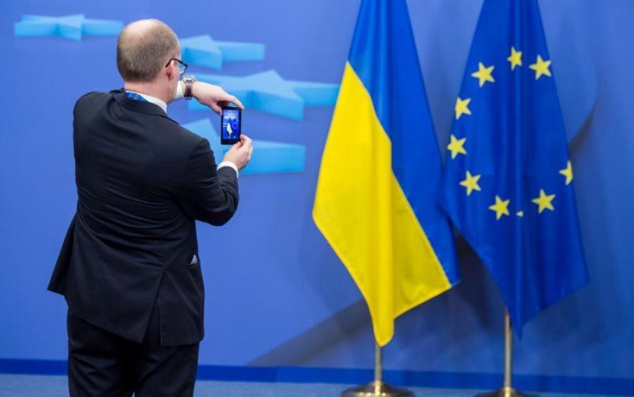 Украине посоветовали держать курс на Европу
