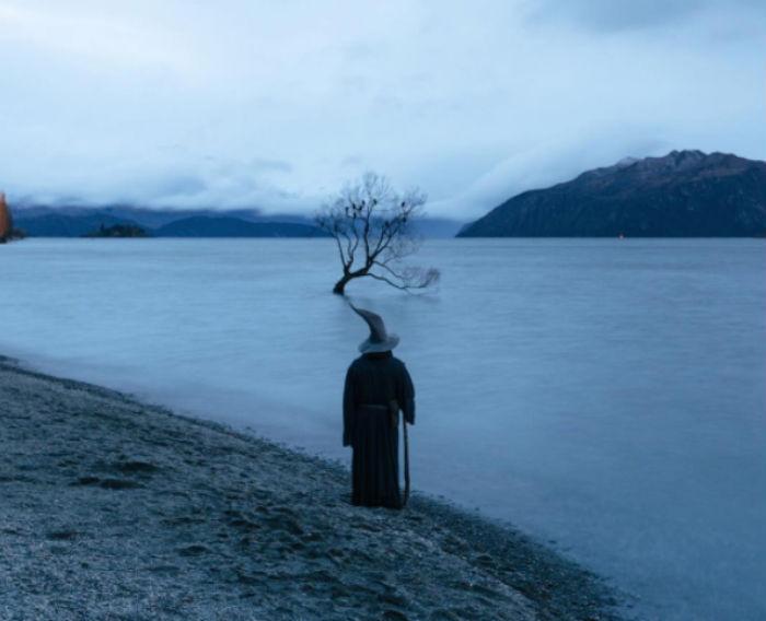 Фотограф в образе Гэндальфа путешествует по Новой Зеландии