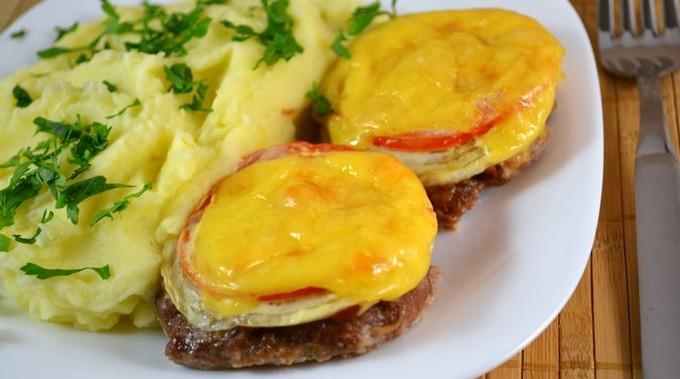 Котлеты с овощами и сыром в духовке