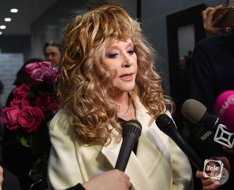 """""""Швы бы показала"""": 68-летняя Пугачева испугала своих фанатов снимком без макияжа"""