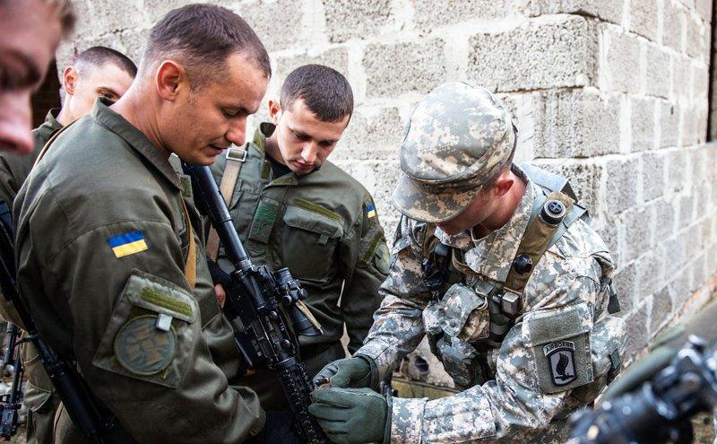 Бойцы ВСУ избили инструкторов НАТО