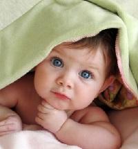 Что подарить новорожденному малышу
