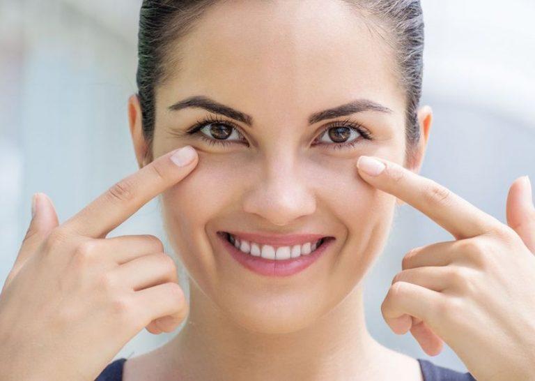 Как убрать морщинки возле глаз