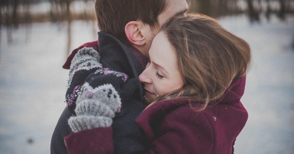 История странного знакомства: спасение и поцелуй