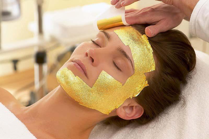 Экстравагантные способы омоложения кожи лица