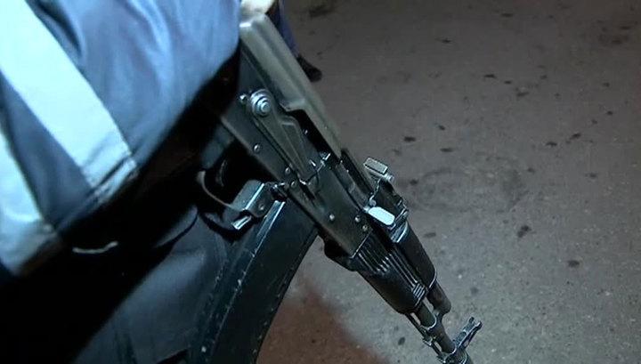 Екатеринбургские гаишники отобедали и забыли автомат в кафе