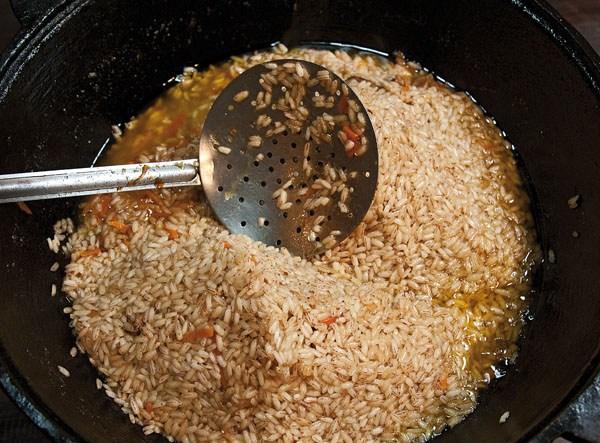 разделение рисовой горки на две части