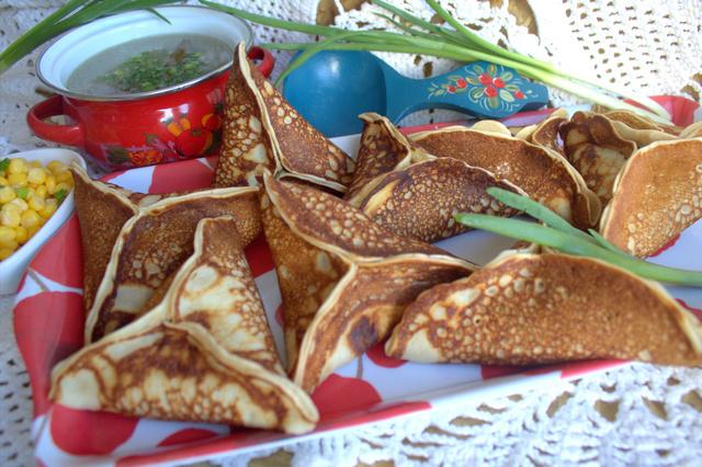 Фото к рецепту: Блины по-мароккански с паштетом