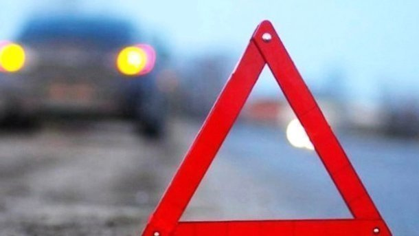 В Германии автобус протаранил фуру: водитель погиб, 17 человек пострадали