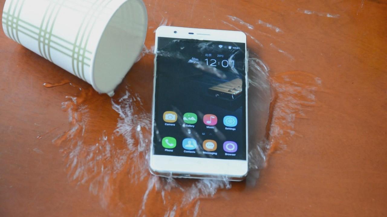 OUKITEL выпустила самый защищенный смартфон