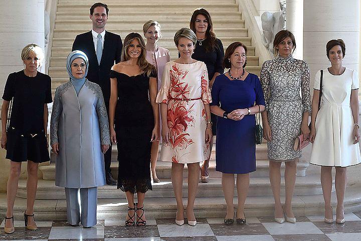 На фото жён лидеров стран НАТО попал гей-муж премьера Люксембурга