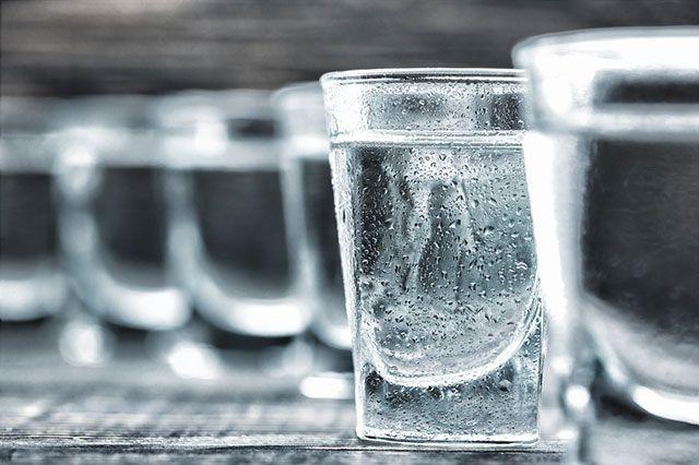 40-градусный «врач». Что и как лечат водкой?