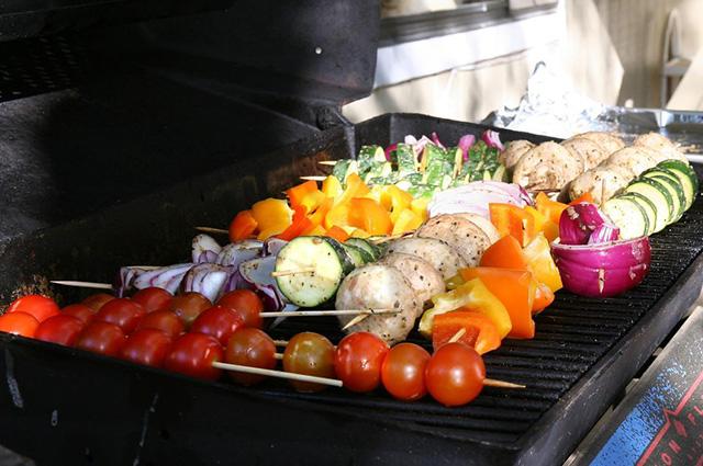 10 гастро-идей, что можно готовить на гриле кроме мяса