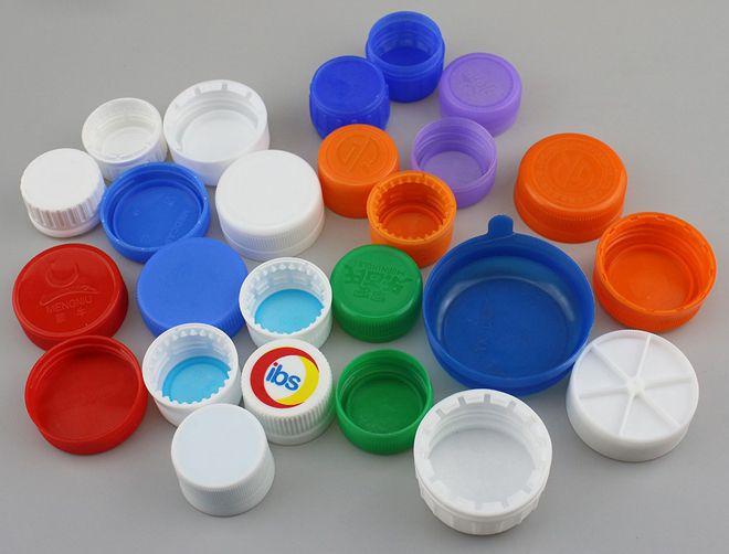 кусочек пластика для сохранения газировки
