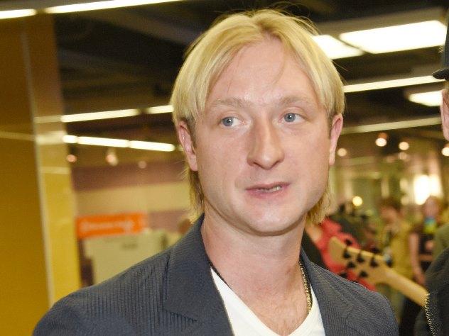 Плющенко поразил танцем в плавках под песню Киркорова