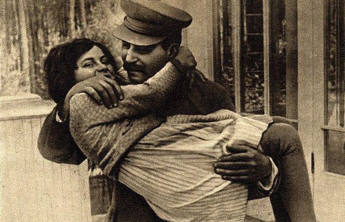 Почему дети дочери Сталина не простили ей побег из СССР