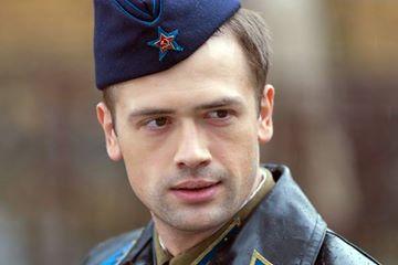 Актёр Пашинин пообещал повесить Прилепина в железном ошейнике