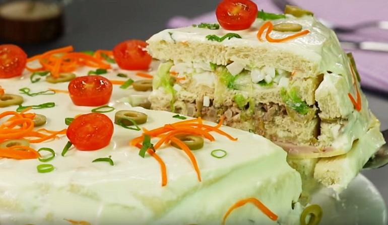 Яркий, сытный и вкусный торт – в качестве закуски