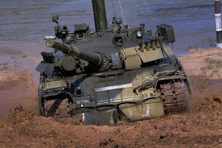 """В США назвали пять преимуществ российских """"танков-убийц"""""""