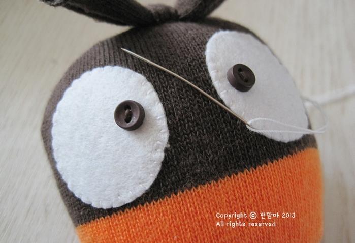 ворона. игрушки из носков (11) (700x478, 455Kb)