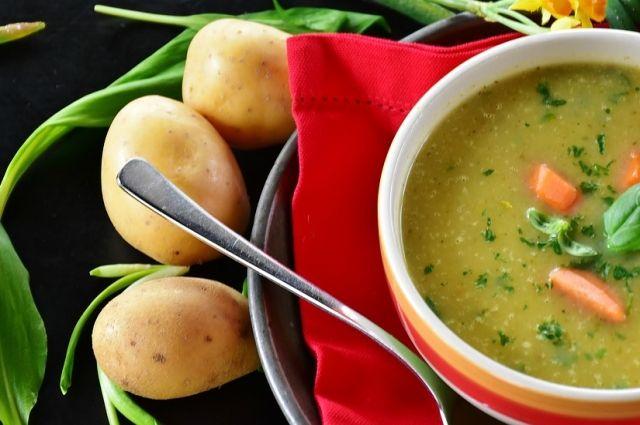 Осенью нужно есть горячие супы и других согревающие блюда