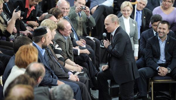 Россияне назвали главные достижения и неудачи Путина
