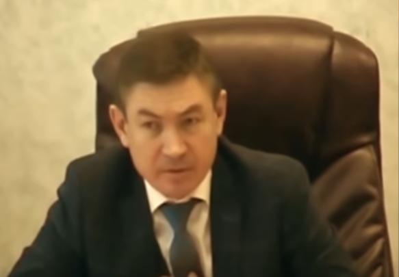 Чиновник на Урале отчитал тр…