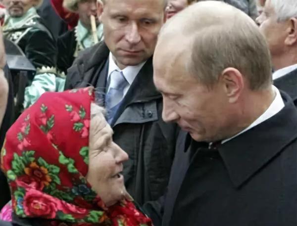 Что говорят обычные люди о Путине,всем был задан один и тот же вопрос «Что вы можете сказать о В.В.Путине?
