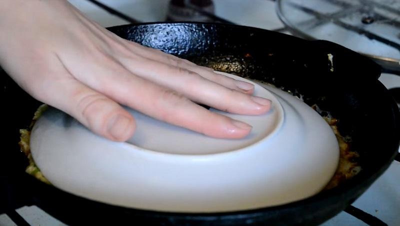 картофельный пирог в сковороде