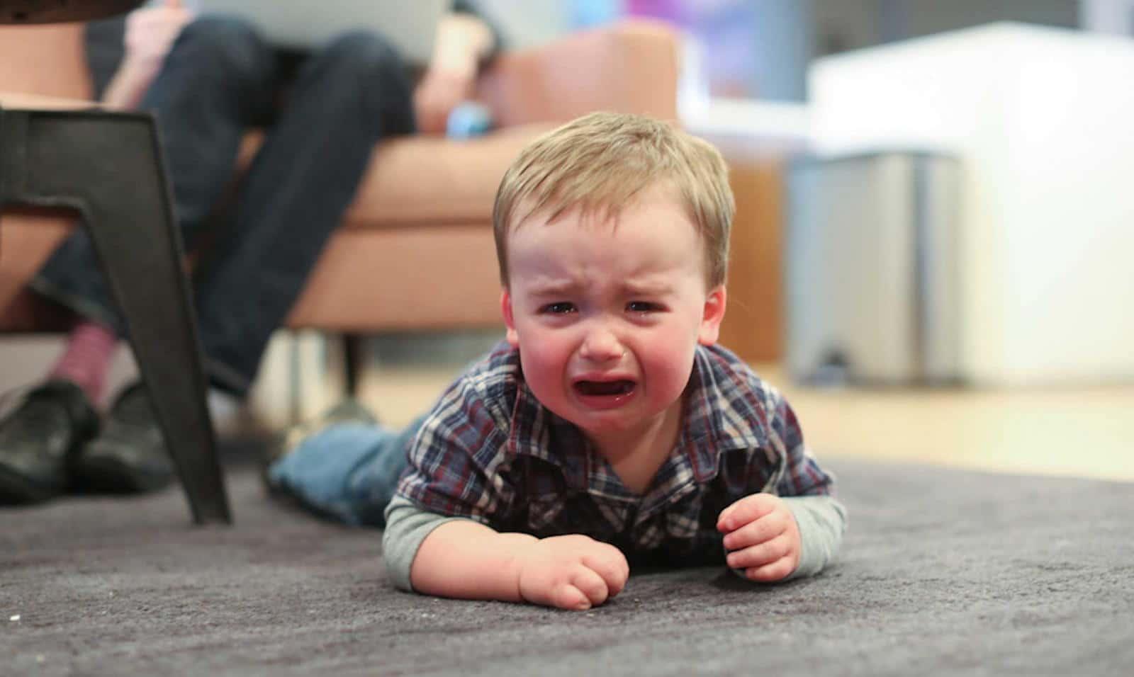 Истерика у ребёнка 2-3 лет. Что делать, как предотвратить?
