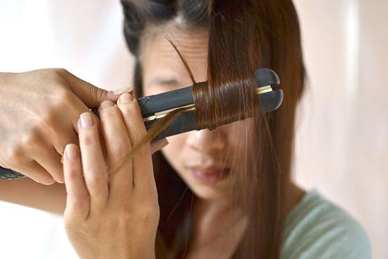 Выпрямление волос без фена и утюжка: эффективные и быстрые способы сделать волосы гладкими